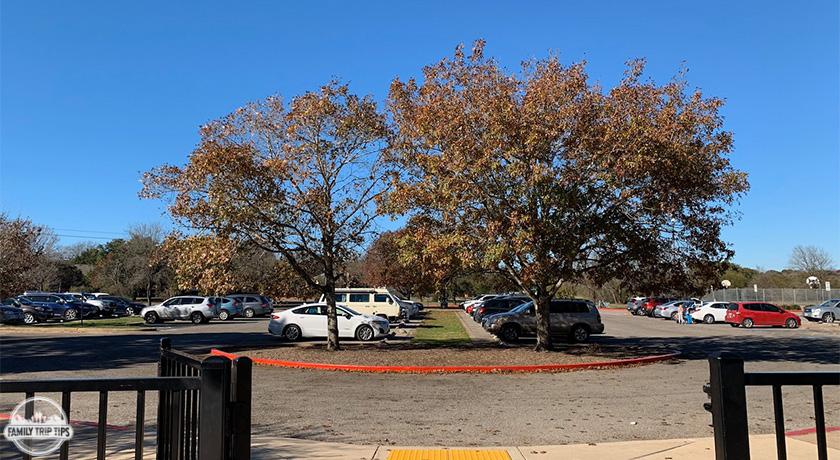 dick-nichols-park-parking-lot