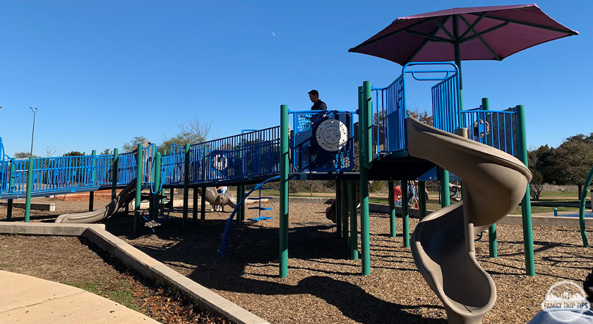 dick-nichols-park-playground2