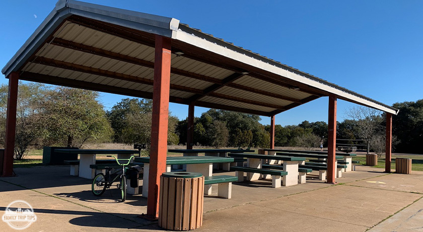 dick-nichols-park-reservalbe-covered-pavilion