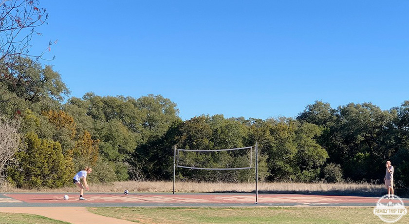 dick-nichols-park-volleyball-court