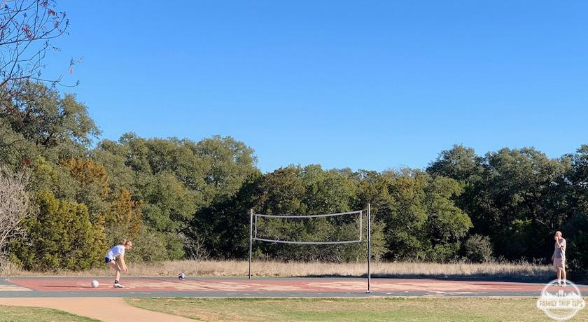 dick-nichols-park-volleyball-court