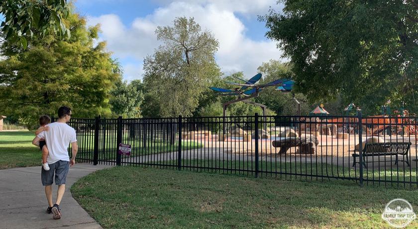 roy-guererro-park-gate